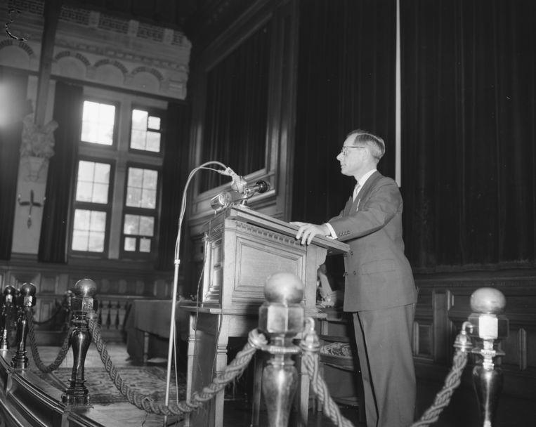 A.N.J. Den Hollander in 1956 Beeld Nationaal Archief