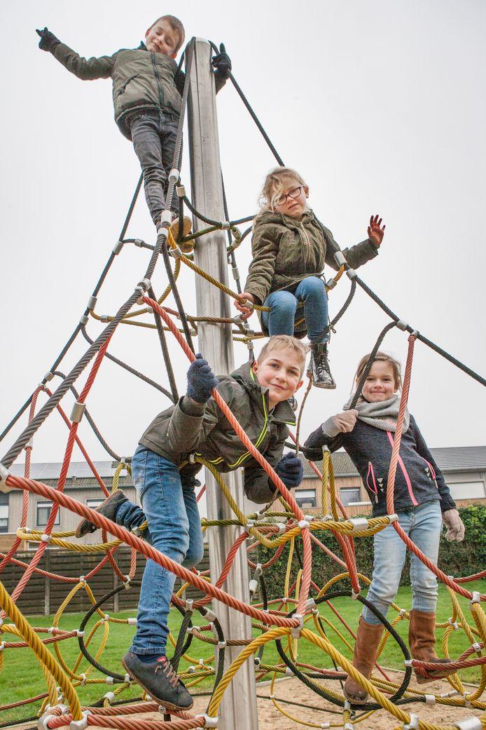 Nu al gebeurt het regelmatig dat de kinderen van de Dorpsparel op het KSA-terrein van Schuiferskapelle te vinden zijn. Daar kunnen ze straks dagelijks spelen.