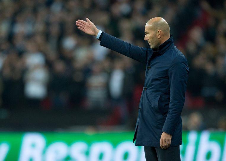 Zidane geeft instructies, maar met minder succes dan vorig jaar