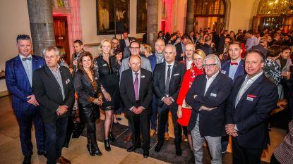 Unizo Brugge zet drie bestuursleden in de bloemen