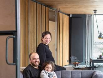 """Ine en Maarten bouwden hun houten vakantiehuisje helemaal zelf: """"Niet groot of luxueus, wel onbetaalbaar"""""""