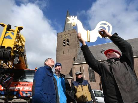 Het zit niet mee in Wijk: harde wind verhindert terugkeer van haan op kerk