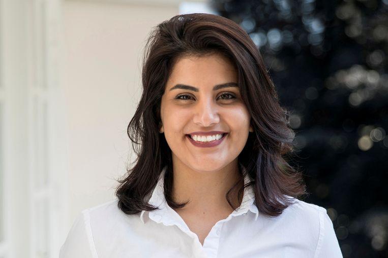 De Saoedische Loujain al-Hathloul voordat ze werd opgesloten en gemarteld in de gevangenis, omdat ze bepleitte dat vrouwen ook mogen autorijden. Beeld REUTERS