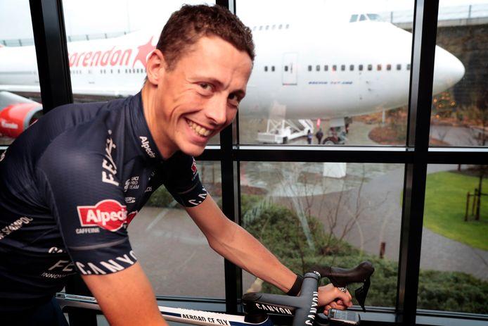 Oscar Riesebeek eerder dit seizoen bij de teampresentatie van Alpecin-Fenix.