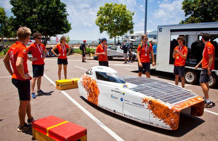 De NunaX, de voorganger van de Nuna Phoenix, vorig jaar voor de fatale race in Australië.