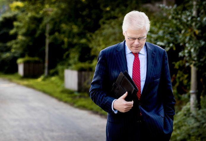 Oud-staatssecretaris Robin Linschoten begin deze maand, bij aankomst bij de rechtbank.