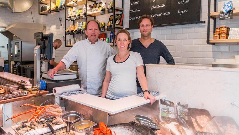 Eigenaren Fons, Fleur en Pepijn de Visscher in hun winkel Beeld Jesper Boot