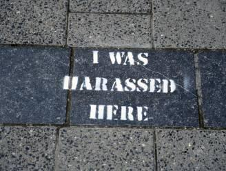 'I was harassed here': graffiti op Leuvense voetpaden toont waar mensen lastiggevallen werden