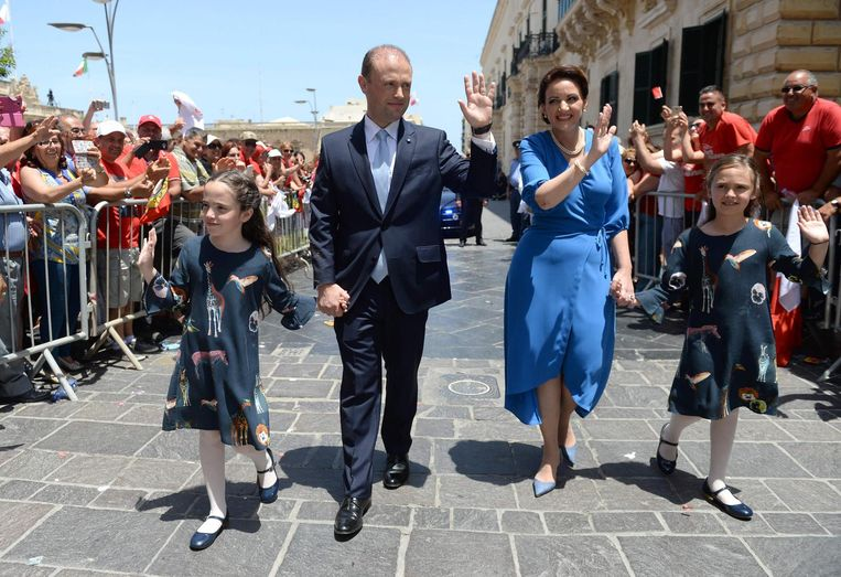 Joseph Muscat op weg naar zijn beëdiging als premier van Malta. Beeld afp