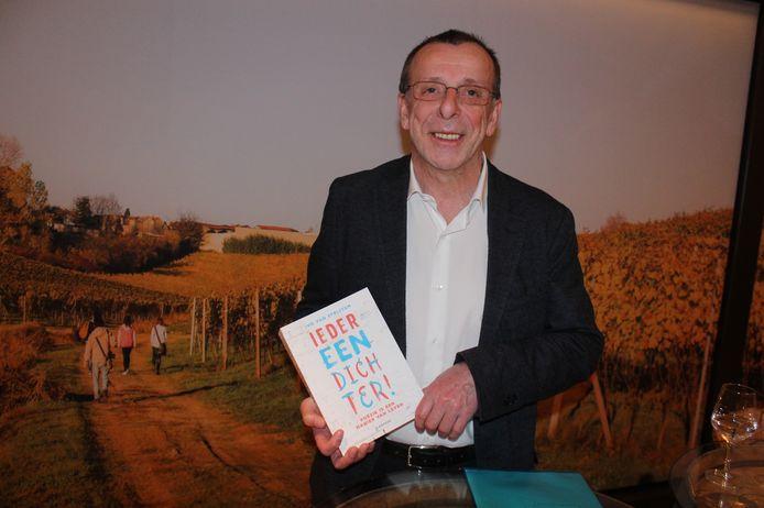 Ivo Van Strijtem met zijn essay 'Iedereen Dichter'