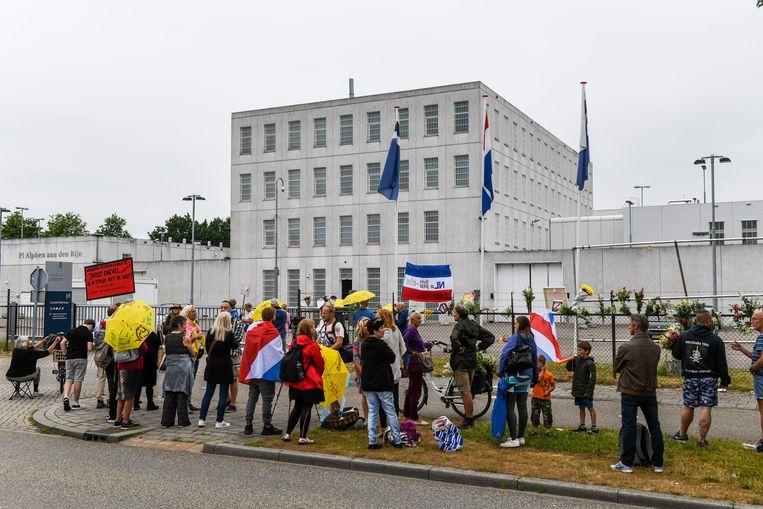 Demonstratie bij de gevangenis tegen de straf van Wouter R. Hij werd eind vorige maand door de politierechter veroordeeld tot negen maanden cel, waarvan drie voorwaardelijk. Beeld Hollandse Hoogte / Novum RegioFoto