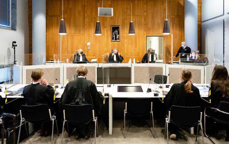 Het gerechtshof, met onder andere voorzitter Joost van der Helm, hervat de al jaren slepende rechtszaak over de treinkaping bij De Punt. Beeld ANP