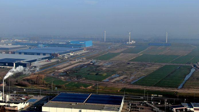 Bij bedrijventerrein Haven staat al een flink aantal grote distributiecentra. De gemeente Waalwijk probeert nu meer kavels aan de man te brengen.