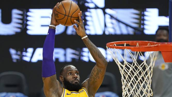 Brooklyn wint weer, James loodst Lakers naar ruime zege tegen Curry en co