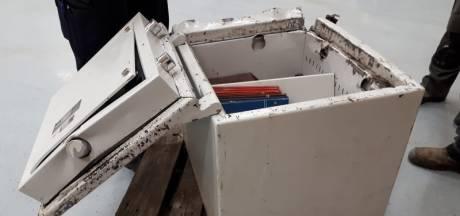 Politie plukt drietal van de A50 dat rondrijdt met gestolen kluis vol spullen