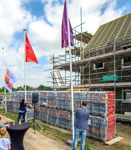 Hoogste punt nieuwbouwhuizen Hofstede in Rucphen bereikt