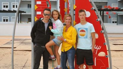 Gezin verhuisde 4 jaar geleden naar Tenerife voor zoon (17) met luchtwegproblemen. Nu is hij Vlaams zwemkampioen