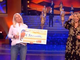 Daniëlle gokt erop los en wint gigantische klapper in seizoensopening Miljoenenjacht