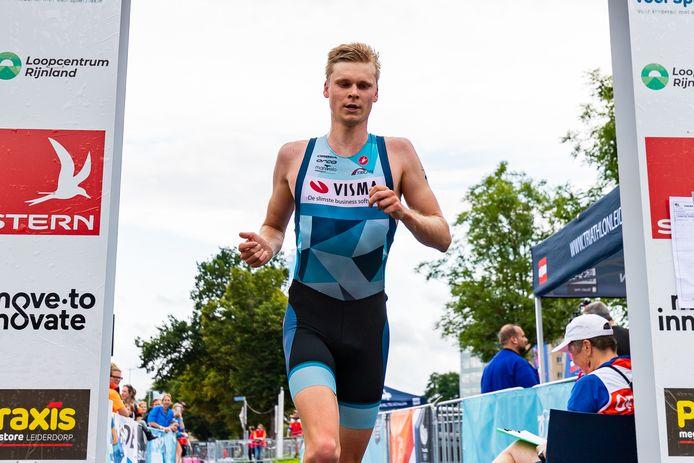 Mathijs Weijkamp eerder dit seizoen in actie. De Nijmegenaar won zaterdag brons tijdens het NK duatlon in Almere.