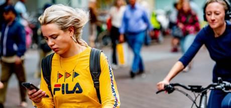 Elke dag 13 fietsers beboet in Oost-Nederland om appverbod: 'Ik wist meteen: shit daar ga ik...'