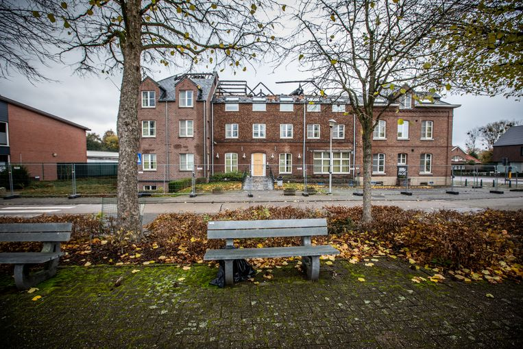 Het asielcentrum werd in november vorig jaar in brand gestoken. Beeld Mine Dalemans