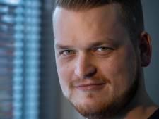 Michiel (26) uit Urk onderging als eerste Nederlander operatie aan ogen van 600.000 euro