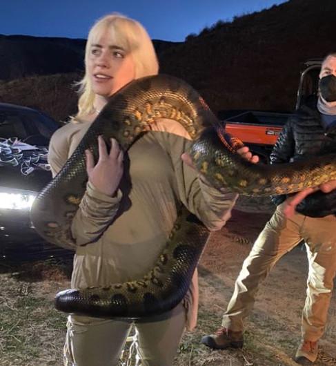 Billie met de enorme slang.