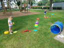 De spelnamiddag van het Huis van het Kind van Erpe-Mere/Lede lokte dinsdag zes kinderen met hun ouders naar de Kleine Kouterwijk in Lede.