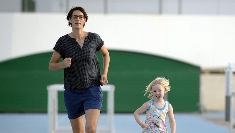 Tia Hellebaut en haar dochtertje Saartje in 2015.