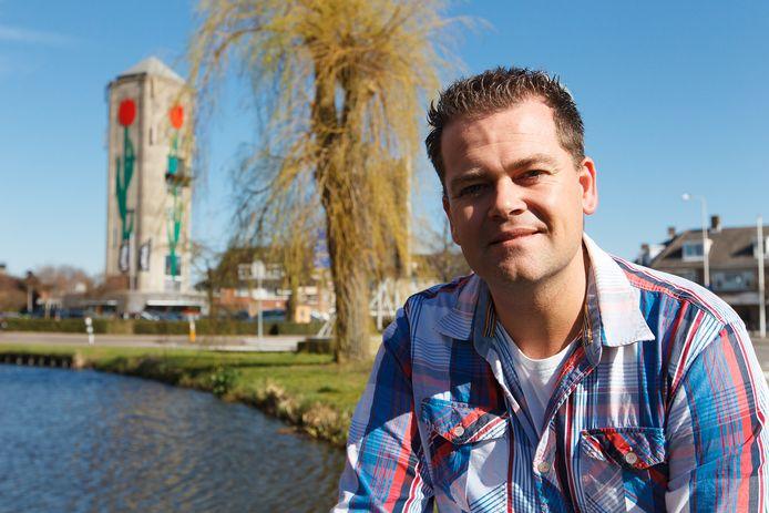 Wethouder Floris Schoonderwoerd van de gemeente Kaag en Braassem is blij dat huizen, zoals nu in Leimuiden, kunnen worden gereserveerd voor lokale woningzoekenden.