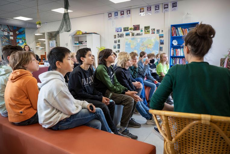 Les op Academie Tien in Utrecht, een school voor tien tot achttienjarigen van alle niveaus. Beeld Werry Crone