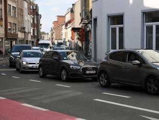 """Boetes, gefrustreerde automobilisten en studenten die hun kot willen klaarmaken voor academiejaar... WK-gekte wordt even WK-chaos nog voor het begonnen is: """"Vermijd centrum Leuven even met de auto"""""""