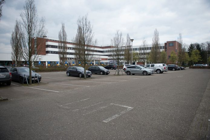 Malle in tijden van corona. Parking AZ Sint-Jozef Malle.