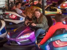 Met een mondkapje in de botsauto's, organisator John van Dam hoopt dat kermis Kaatsheuvel vrijdag van start kan