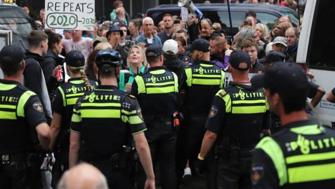 Ministerie van Justitie in Den Haag op slot geweest vanwege demonstratie rondom persconferentie