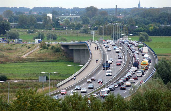 File rijden op de Pleijroute in Arnhem.