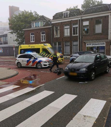 Fietser loopt hoofdwond op bij aanrijding met auto in Wageningen