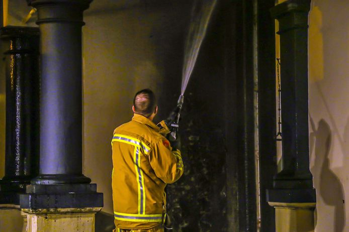 Brandstichting Mierloseweg in Helmond