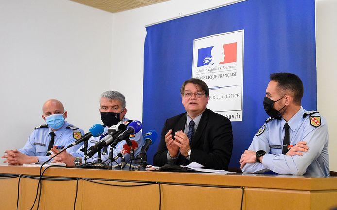 Le procureur de Nancy, François Perain (centre).