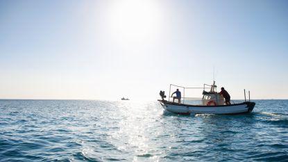 Illegale vissersboot zinkt voor Australische kust: elf mensen gered, dertigtal vermisten in mangrove vol krokodillen