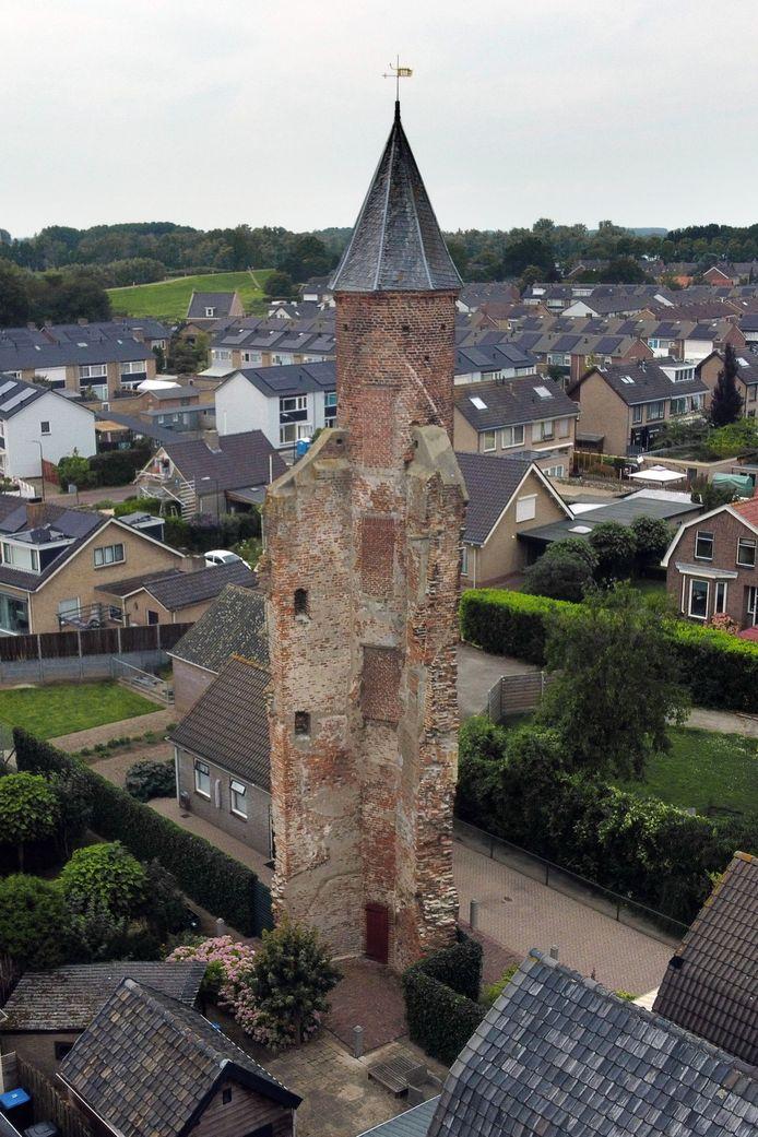De overgebleven kasteeltoren.