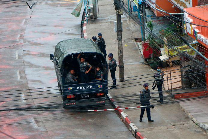 Politiebewaking in Myanmar