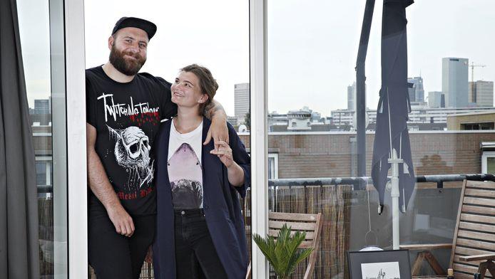 Maxime Cardol (25) en Bart Jansen (27) verruilden hun krappe stek in de hoofdstad voor een grotere woning in Rotterdam.