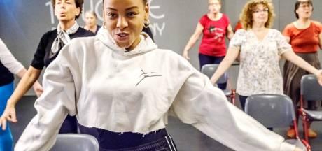 Speciale danstraining voor (ex-)borstkankerpatiënten: dit is véél leuker dan fitness