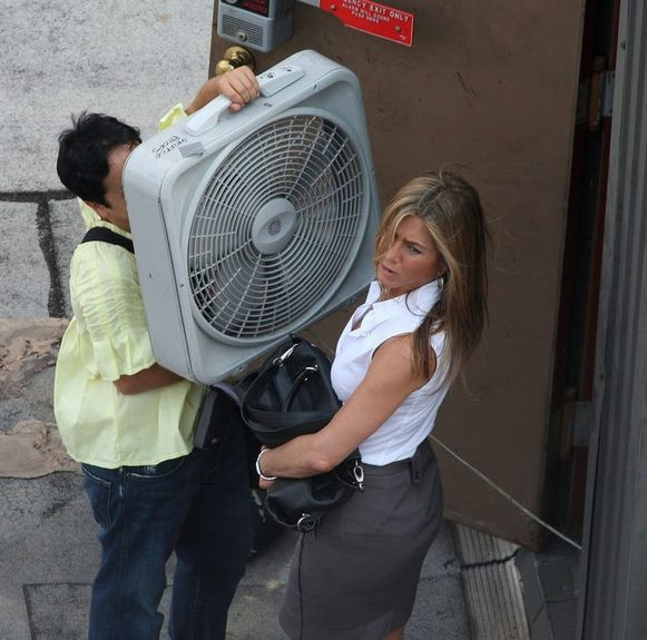 Jennifer Aniston en haar assistente.