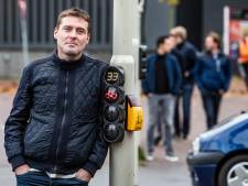 Wachttijdvoorspeller op Churchillplein in Deventer brengt fietsers op hol