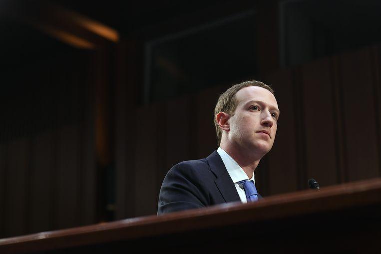 Mark Zuckerberg tijdens een hoorzitting in de Amerikaanse Senaat in 2018. Beeld Getty Images
