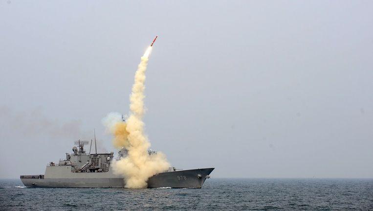 Een lancering van een raket van een Zuid-Koreaans oorlogsschip Beeld afp