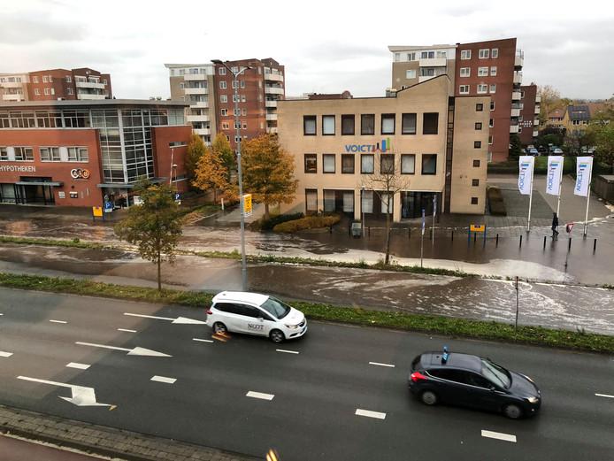 Wateroverlast na de leidingbreuk in Ede.