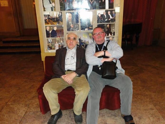 Jevgeni Rijn, de bekende Russische dichter, en zijn hele verre neef Tom Rijn, genealoog uit Goes, hebben elkaar getroffen in Moskou. Daar heeft Tom eindelijk antwoorden kunnen vinden op de vraag hoe het Jan Rijn, aan het begin van de negentiende eeuw is vergaan. foto's Tom Rijn